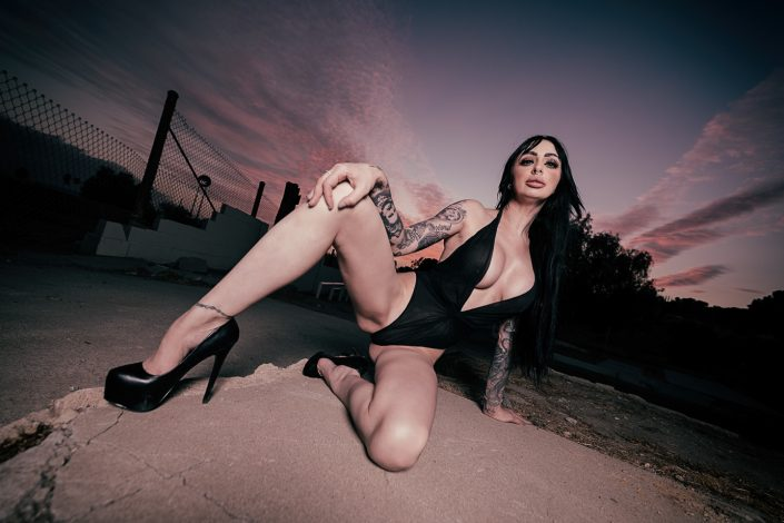 Shannon Sinamian by Julien ZANNONI