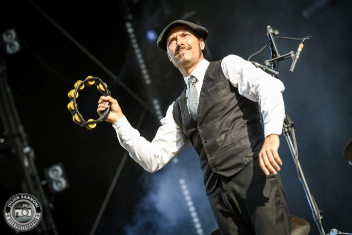 The Inspector Cluzo plays at Paléo Festival 2017