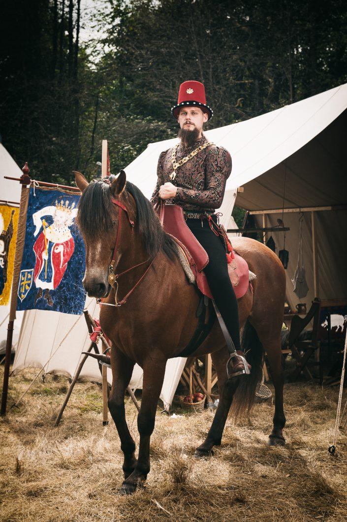 Knight - XV century Horseman by Julien ZANNONI