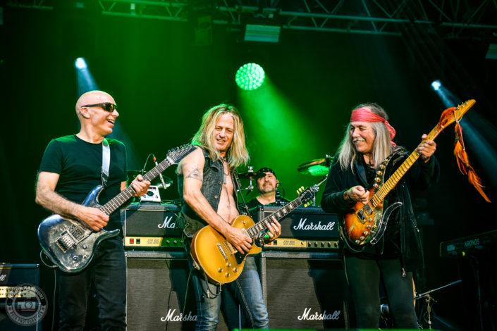 Joe Satriani, Uli Jon roth and Doug Aldrich plays at the Guitare en Scène Festival 2018